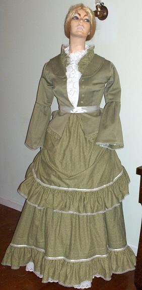 Bustle dresses of the Victorian Era